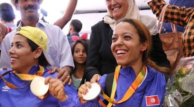 الأخبـــار  : استقبال رسمي وشعبي لـأبطال الالعاب البارالمبية (صور)