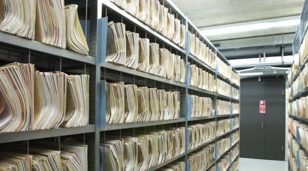 مسؤول في وزارة الصحة متورط في بيع ارشيف المستشفيات  - Arabeque