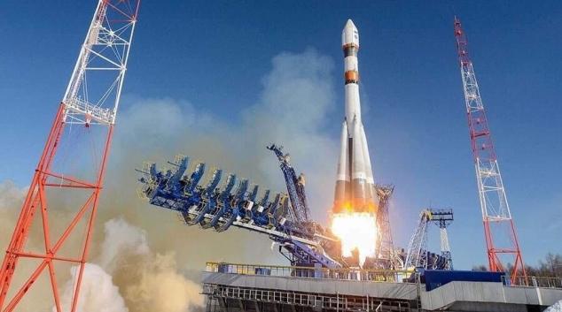 إطلاق أول قمر صناعي تونسي  - Arabeque