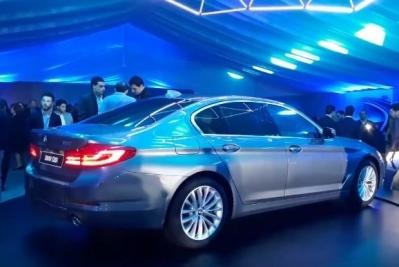 بن جمعة موتورز تطلق سيارة BMW serie 5 الاكثر حداثة